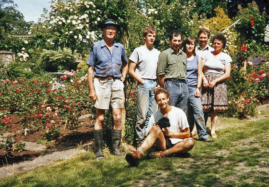 Dr Smart July 1986 with Staff